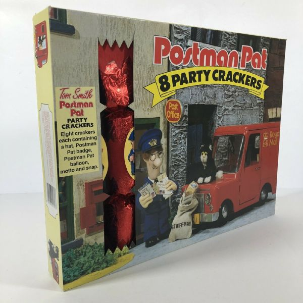 Vintage POSTMAN PAT Boxed Crepe CHRISTMAS PARTY CRACKERS 1980s/90s